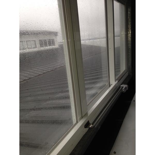 橫拉式排煙窗1-立丞鋼鋁有限公司-桃園