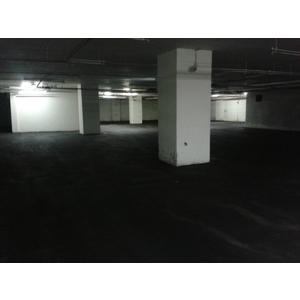 美麗人生月子中心地下停車場