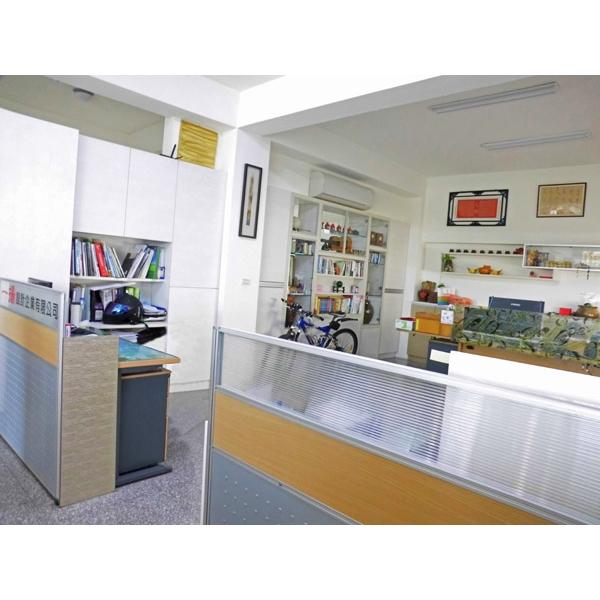 辦公室設計-11-一揚設計企業有限公司-台中