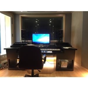 上市電子生技公司錄音室