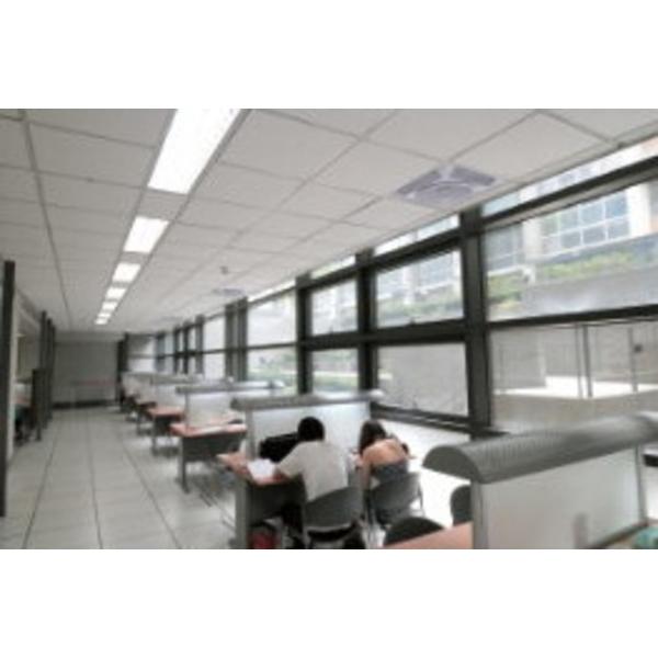 圖書館天花板