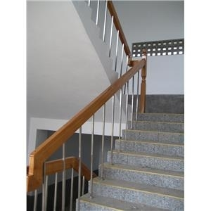 學校樓梯扶手