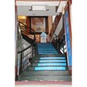 現代鋼鋁門窗-扶手樓梯