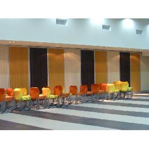 觀音鄉公所禮堂滑動(遮光)板室內面加裝擴散吸音板