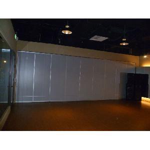TBC夢想娛樂舞蹈教室摺疊式隔間  (美耐板面分上大下小2格)