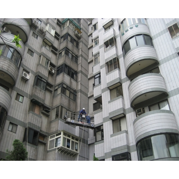 外牆清洗施工實景01-再新興業有限公司-新北