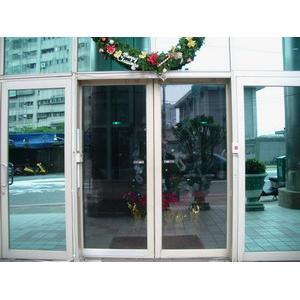 JAD日本自動門 力霸成功住宅大樓(感應門禁設備)