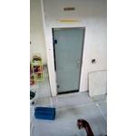 廁所玻璃門