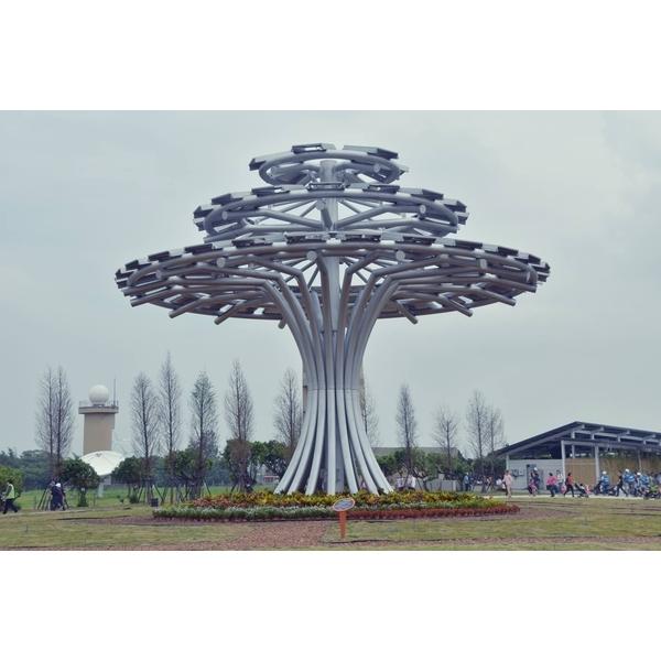全國首創最大型的太陽能生命樹-昶鉅工業有限公司-桃園