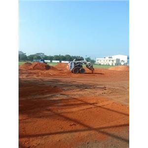 棒壘球場紅磚土