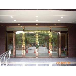 不銹鋼鍍鈦玻璃大門-利昇金屬有限公司/建富金屬-桃園